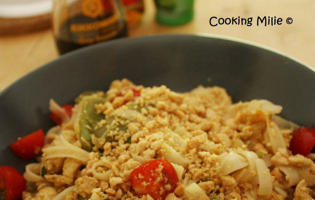 Nouilles thaï sautées au poulet façon Pad Thaï