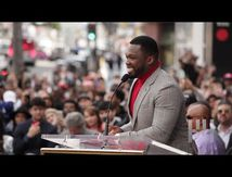 50 Cent Cracks Jokes, Presque des cris reçoivent une étoile sur le Hollywood Walk of Fame