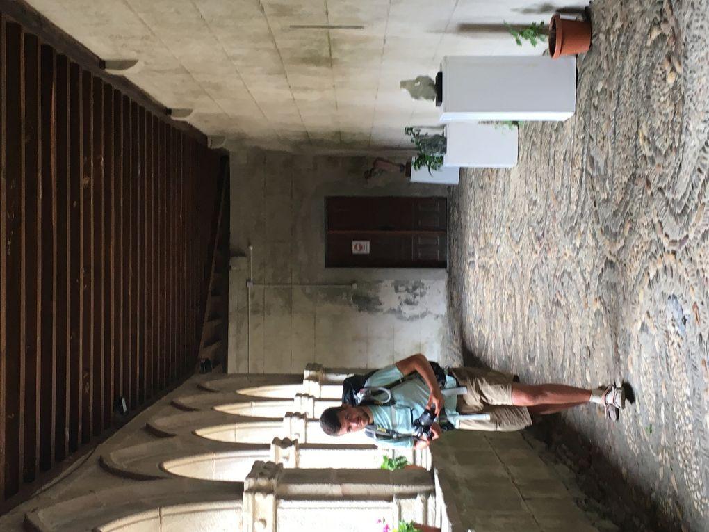 Le cloître du monastère de la Magdalena avec les sculptures de José Diaz Fuentes (Espagne/France), Florence Normier (France), Serge Guarmieri (France), Hospido (Espagne), Corinne Rouveyres (France), Daniel Baumann (France), Juan Vila (Espagne) Philippe Roy (France ), Violeta Bernardo (Espagne).