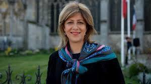 Fatima Djemaï, fille de harki élue Châlonnaise, nommée à l'Ordre du mérite