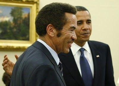 Imágenes de Ian Khama, presidente de Botswana, junto a otros estadistas.- El Muni.