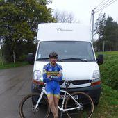 L'un des meilleurs cyclo-crossmen français, Valentin Cosnier, entre échographies et home-trainer