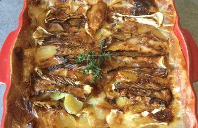 Gratin de pommes de terre au thym, miel et camembert
