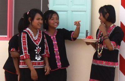 San Hog Far : un village pour les enfants des Tribus