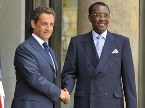 Balkany arrosé par Idriss Deby : les Tchadiens sidérés pourquoi Paris maintient-il Deby au pouvoir ? (Makaila)