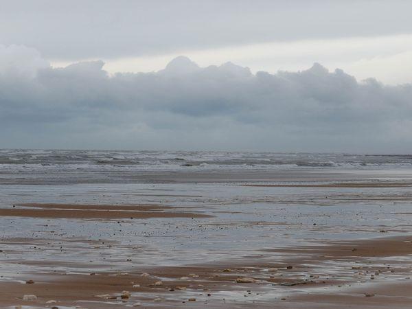 Photos prisent dimanche matin juste avant la tempête d'hier .... J'avais la plage pour moi toute seule :)))