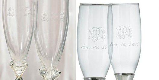 cadeau original pour mariés: les flutes a champagne gravées