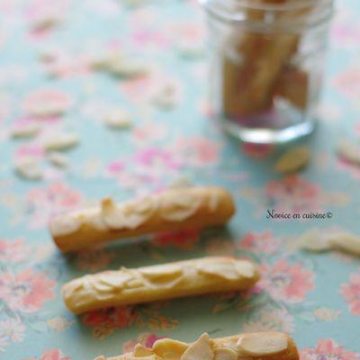 Petits gâteaux à la compote et aux amandes