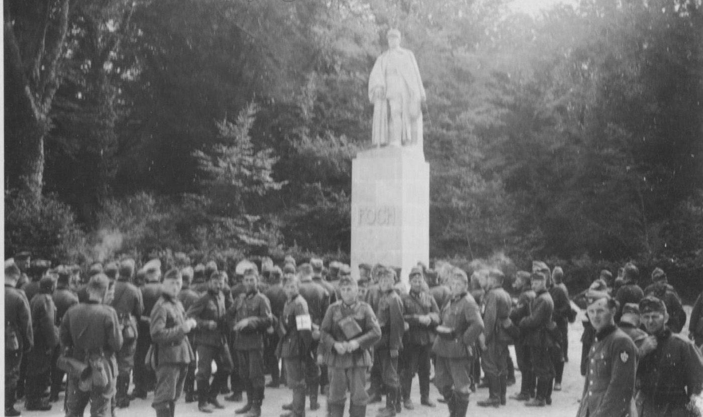 Album  - le village de Rethondes, le démantelement du site de la clairière de l'armistice et du départ du wagon