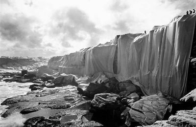 Wrapped Coast One Million Square feet @ Christo et Jean-Claude.1969. Australie Sydney