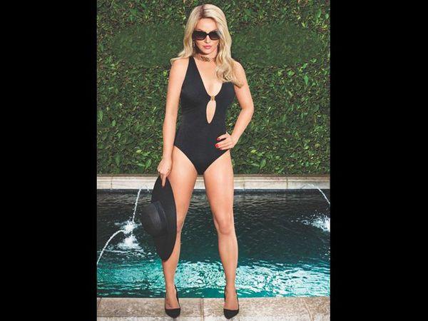 Britney Spears se denude pour sa collection de lingerie !