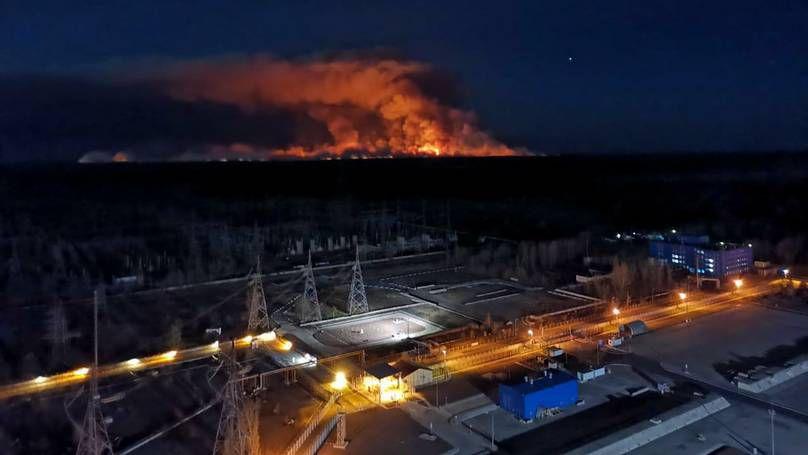 Tchernobyl: l'incendie se rapproche des installations de stockage de déchets radioactifs - vidéos