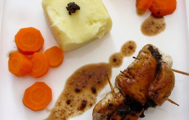 Roulé de poulet à l'olivade truffée
