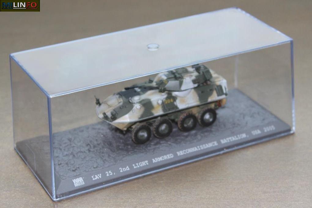 La boîte vitrine avec son surboitage Solido/WarMaster