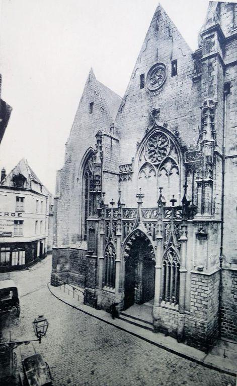 Tour de l'église avant la Première Guerre mondiale - portail en 1914 - portail en 1920 - photographies de Joseph Quentin
