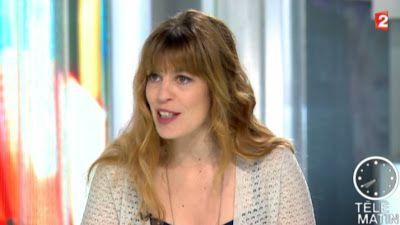 2013 05 06 - ANNA REINHARDT - FRANCE 2 - TELEMATIN 'COULISSES' @07H40