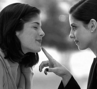 Sarah Michelle Gellar & Selma Blair reviennent sur leur rôle dans Cruel Intentions