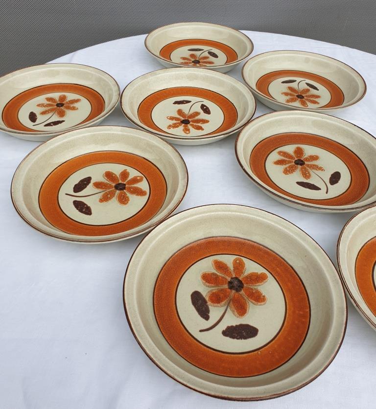 Set 11 assiettes 1970 Revernay Sarreguemines orange et marron sur fond grès - 20 euros