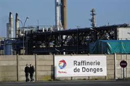 Toutes les raffineries en grève,  selon la CGT.