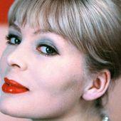 Nico : qui était cette chanteuse qui disait avoir eu un fils avec Alain Delon ?