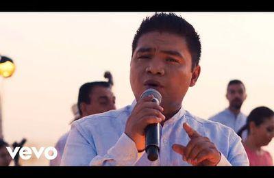 Los Ángeles Azules - 20 Rosas ft. Aleks Syntek
