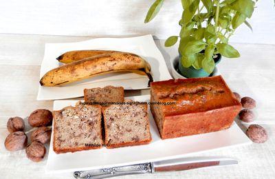 Cake à la banane, noix et basilic d'après Carole Alter Gusto (sans gluten et sans lactose)