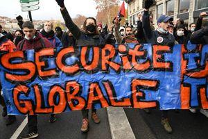 """Sécurité globale : l'article 24 est """"une atteinte à la liberté d'expression"""", estime le Conseil de l'Europe"""