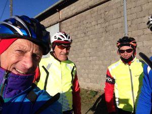 Ils étaient 5 cyclistes au RDV ce lundi pour un parcours peu courant passant par Autigny-la-Tour , Martigny et Ruppes. Au programme soleil, fraîcheur et vent violent de face puis heureusement de dos pour le retour.