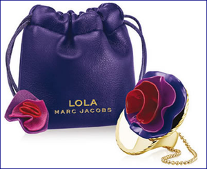 Profumo ad anello Lola di  Marc Jacobs: idea regalo