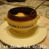 Soupe à l'oignon gratinée recettes de défi - Soupes. - On s'en lèche les doigts...