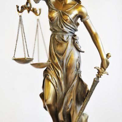 La justice a besoin d'un grand plan de sauvetage, pas d'une opération de communication du président-candidat