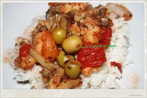 Lieu à la tomates, champignons et olives
