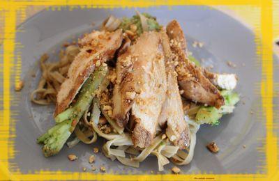 Poulet sauté aux nouilles chinoises / recette de Jamie Oliver