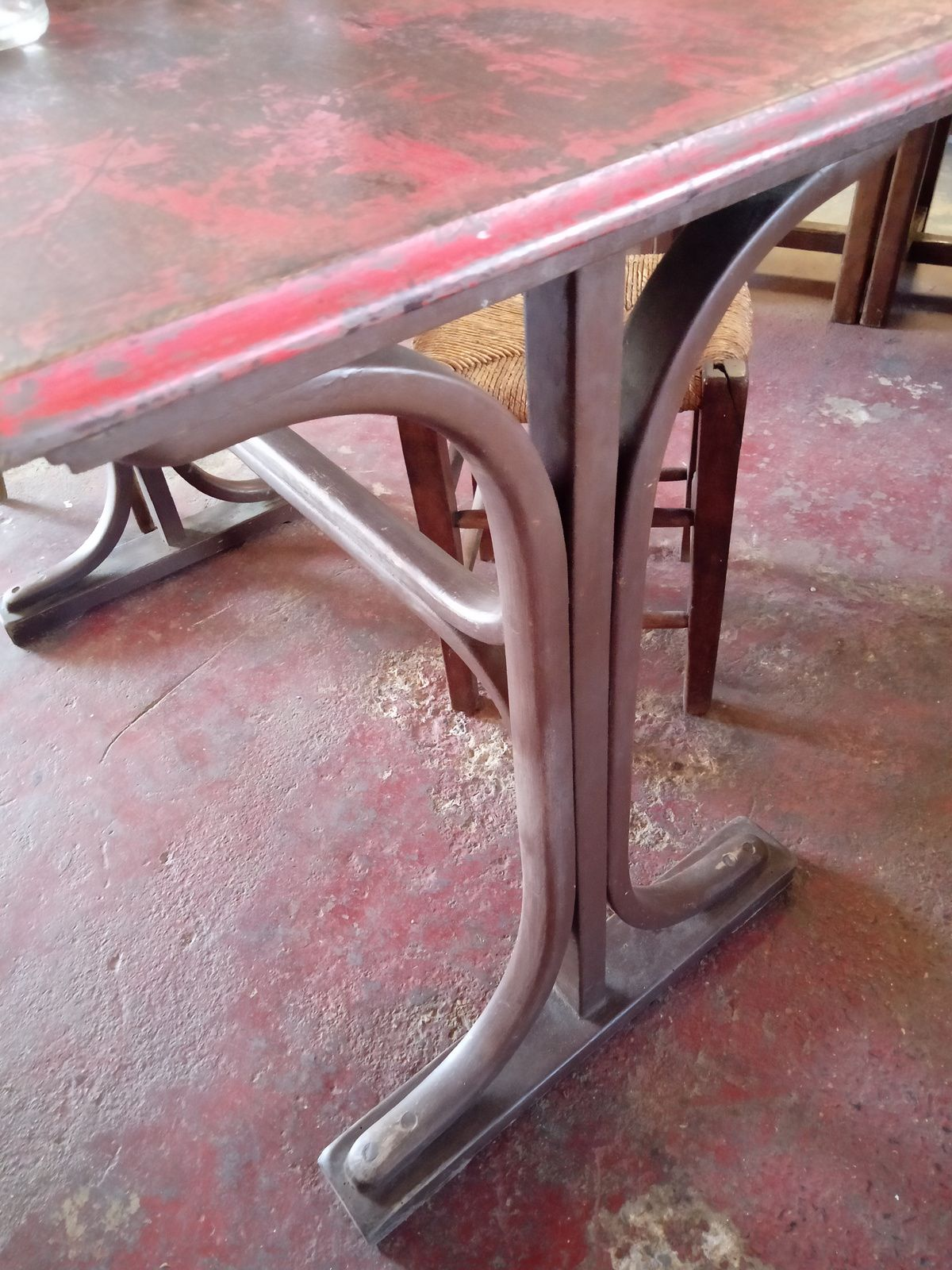 TABLE BISTROT