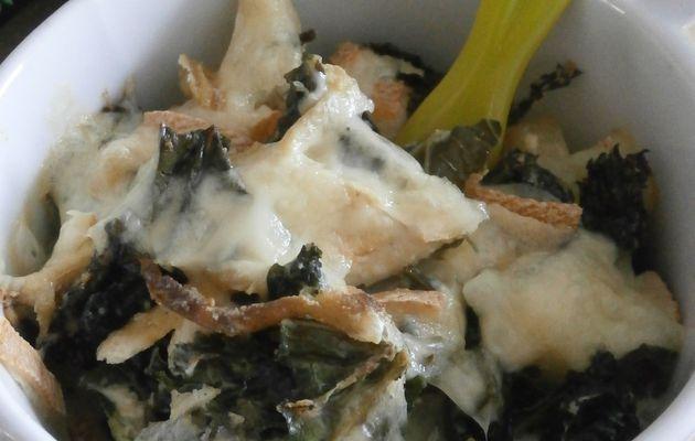 Gratin de Kale et fromage à raclette épicé au Panch Phoron