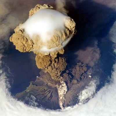 Explosion plinienne et pileus