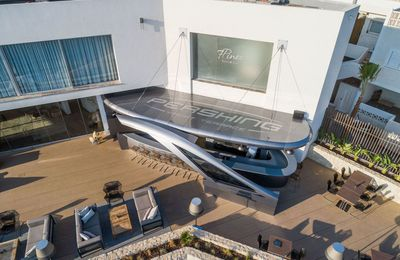 Pershing Yacht Terrace in Ibiza, a unique lounge dedicated to lifestyle