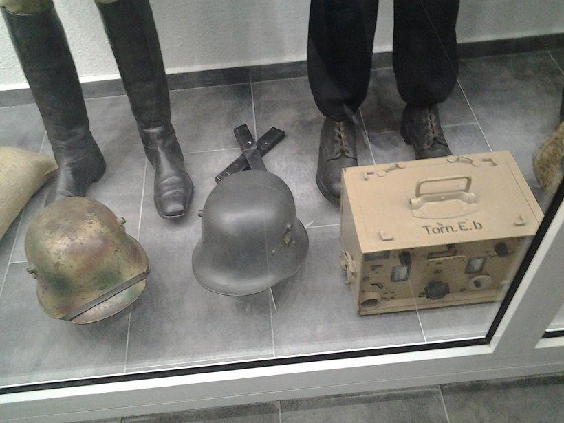 MUSEE sur la SECONDE GUERRE MONDIALE a LA WANTZENAU - ARMEMENTS ET DIVERS OBJETS  -
