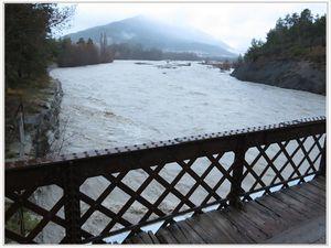 Saint André les Alpes : Le Verdon gronde au Pont de Méouilles