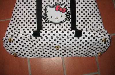 """Sac à mains """"Hello Kitty by Victoria Couture"""" neuf"""