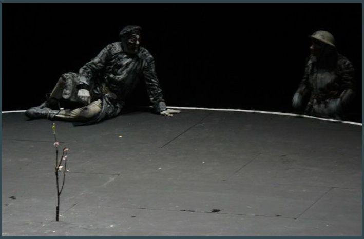 Mère Courage (CM.Antoni -Berliner Ensemble) Théâtre de la Ville