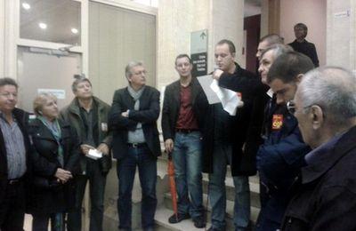 Alès : Le Front de Gauche est venu apporter son soutien aux syndicalistes inquiétés par la Justice