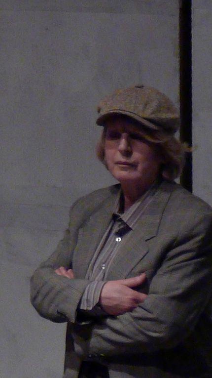 Deuxième pièce (après Le bruit du monde m'est entré dans l'oreille, en 2007)  créé par Philip Boulay avec le collectif Quelques unes d'entre nous issu du quartier des Tilleuls au Blanc-Mesnil (Seine-Saint-Denis). Une douzaine d'actrices