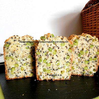 Cake vert et noir d'après Ilona Chovancova : petits pois frais et graines de sésame noir
