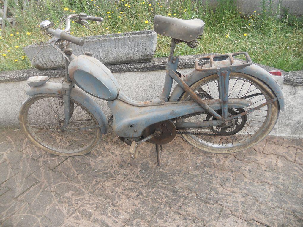 Peugeot BB S du 1957 N° Moteur / Cadre : 29...... Année : 1963 Carburateur :  Jantes :