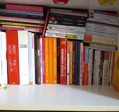 Dans le genre obsessionnelle, j'achète des livres de cuisine...