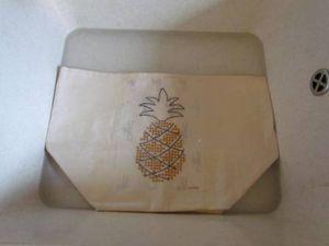 Je brode un ananas sur mes sacs de rangement !