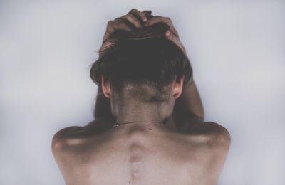 Los mejores alimentos para combatir el dolor de espalda y los que lo agravan