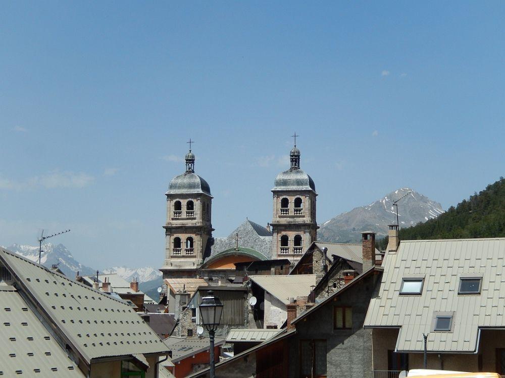 BRIANCON une ville dans son écrin de hautes montagnes