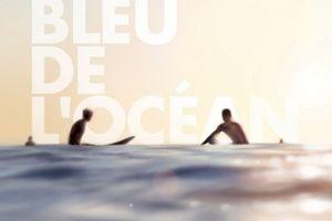 Dans le bleu de l'océan de Pene HENSON